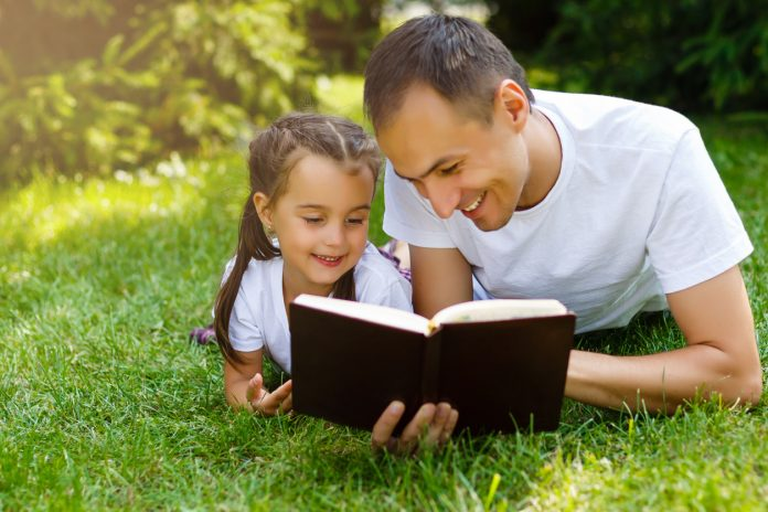 Four Ways That Students And Families >> Four Ways Families Can Hand On The Faith Part 3 Teaching Your Kids